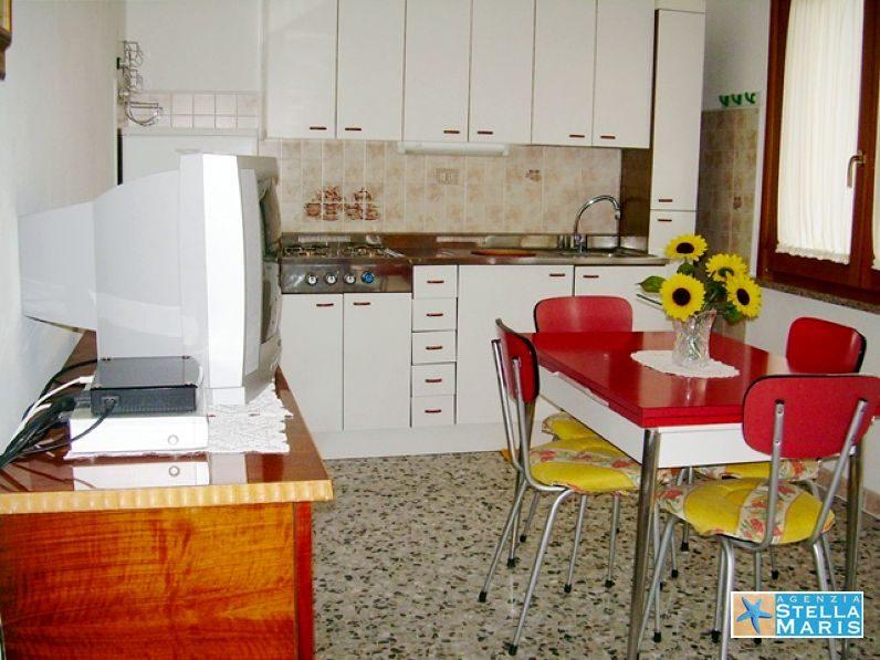 03-fanotto2-cucina3_Donatello2c